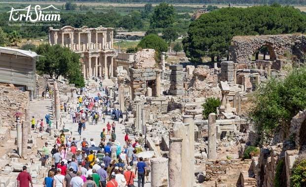 عائدات السياحة تجاوزت 11.5 مليار دولار في الصيف
