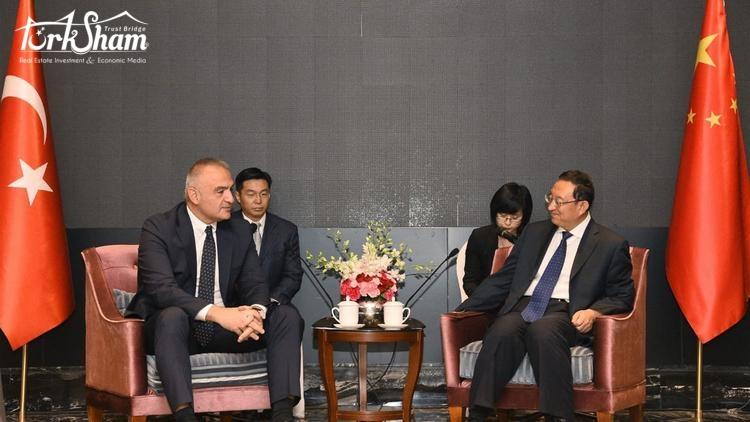 وزير الثقافة والسياحة ارسوي في الصين