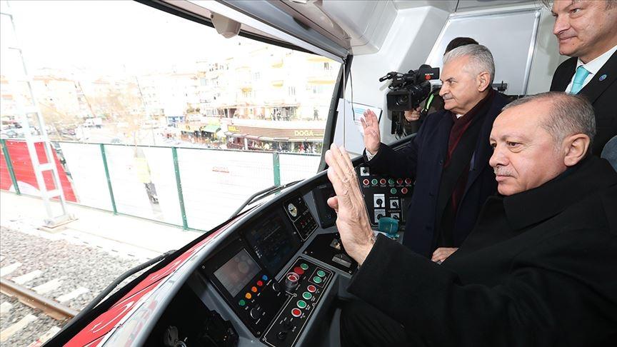 واخيرا القطار الدولي الذي يربط الجانب الاسيوي في الجانب الاوروبي باسطنبول