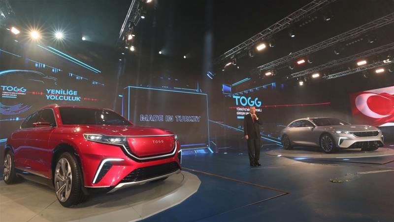 تركيا تكشف النقاب عن أول سيارة محلية الصنع بالكامل